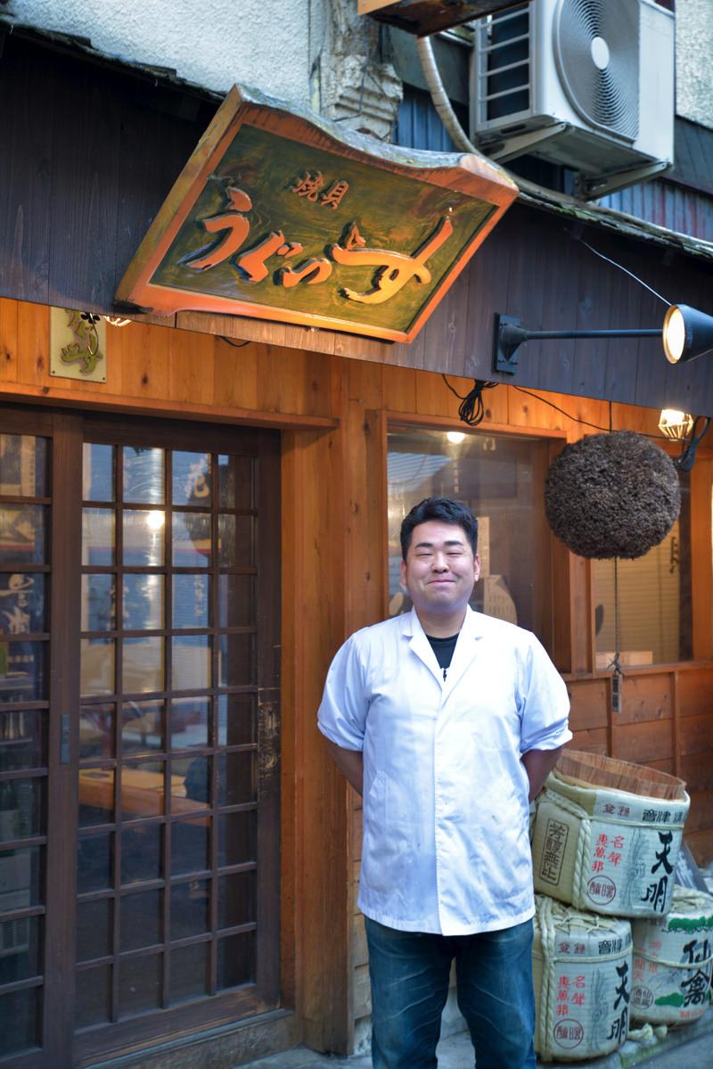 伊藤佑介さん(『焼き貝 うぐいす』料理長)