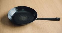 成田理俊さんの鉄のフライパン