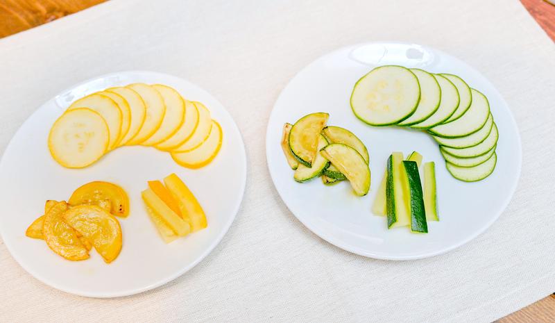 緑と黄色のズッキーニ比較