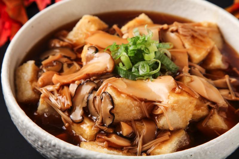松茸ときのこの餡かけ揚げ出し豆腐