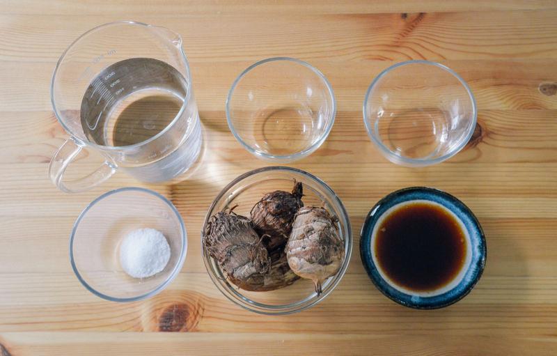 里芋の煮物の材料