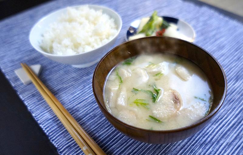 アマノフーズの里芋と湯葉のおみそ汁