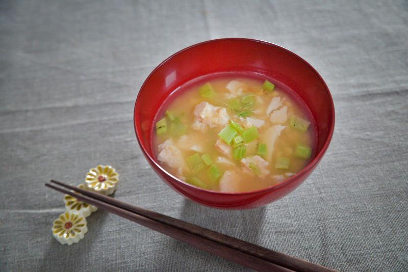 """大根の葉炒めと豆腐の""""コクうま""""おみそ汁"""