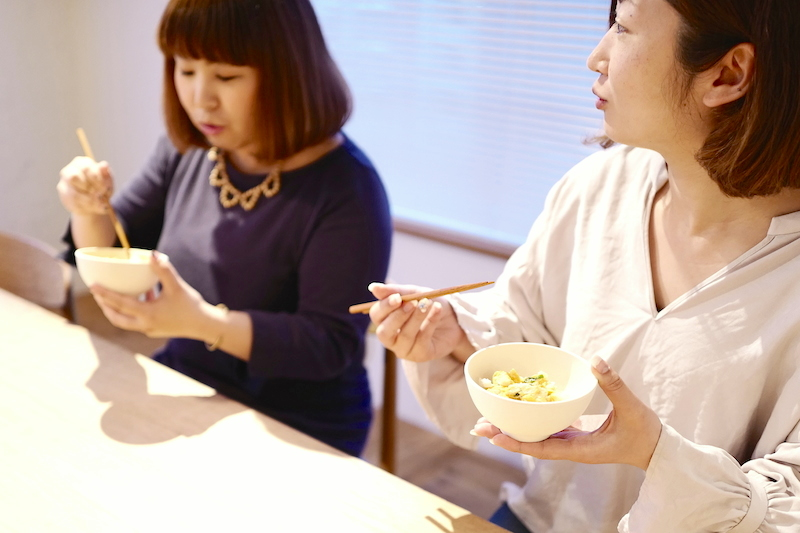アマノフーズ親子丼試食風景