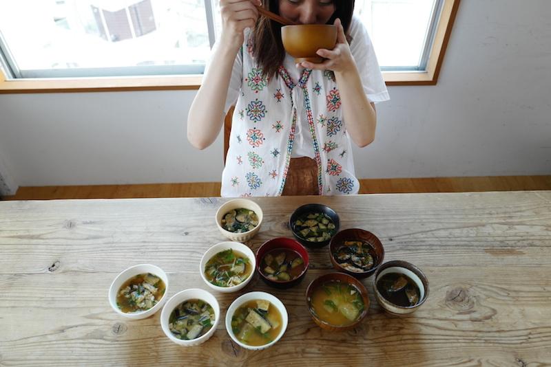 アマノフーズなすのおみそ汁食べ比べ