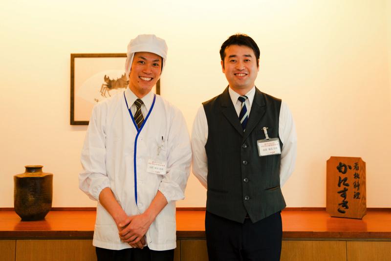 『かに道楽 銀座八丁目店』調理主任・柴田憲樹さん(左)、店長・塩見公理さん(右)
