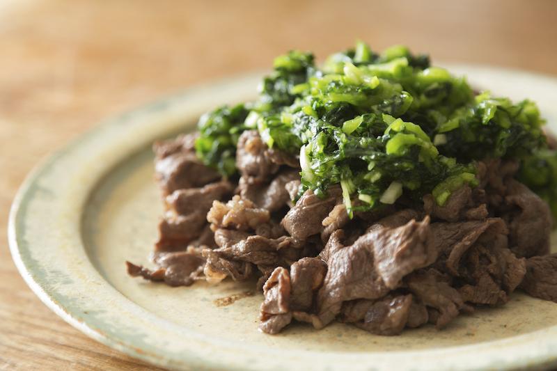 牛こま肉の小松菜ソースがけ