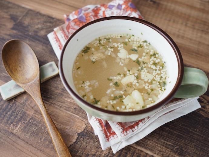 アマノフーズTHE うまみ ガーリックスープお湯を注いだあと