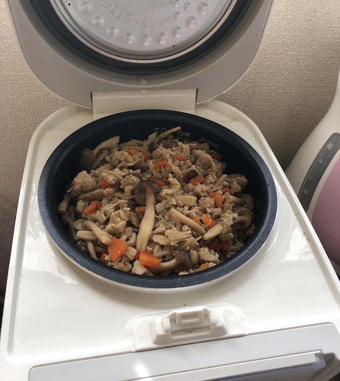 炊き込みご飯が炊けた様子