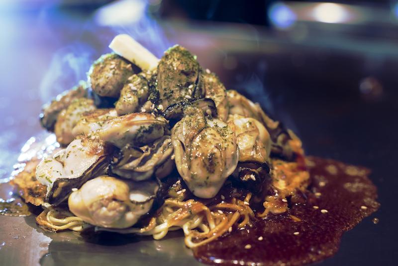 マシマシ牡蠣(広島お好み焼き)