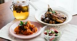 梅シロップと酢の物、スペアリブ、鶏肉のトマト煮