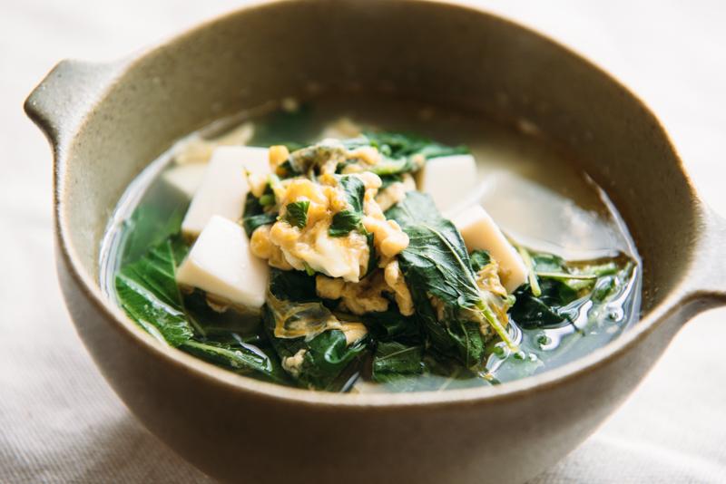 ふわとろ食感♪モロヘイヤと卵の中華スープ