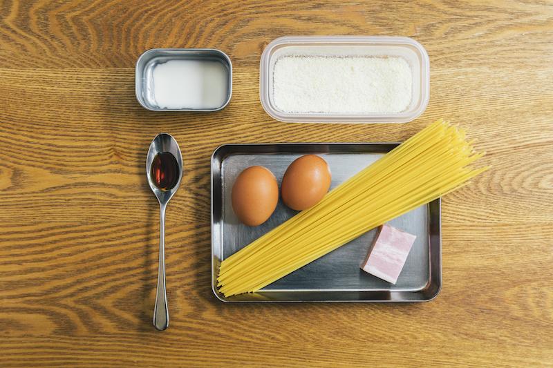 ベーコンの旨味が麺に絡む。sio特製「カルボナーラ」の作り方