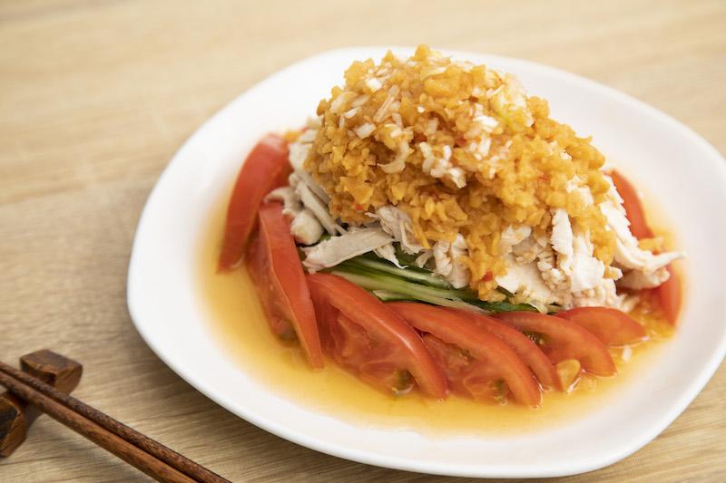 食感とピリ辛さを活かして。柿の種ダレの「棒棒鶏」
