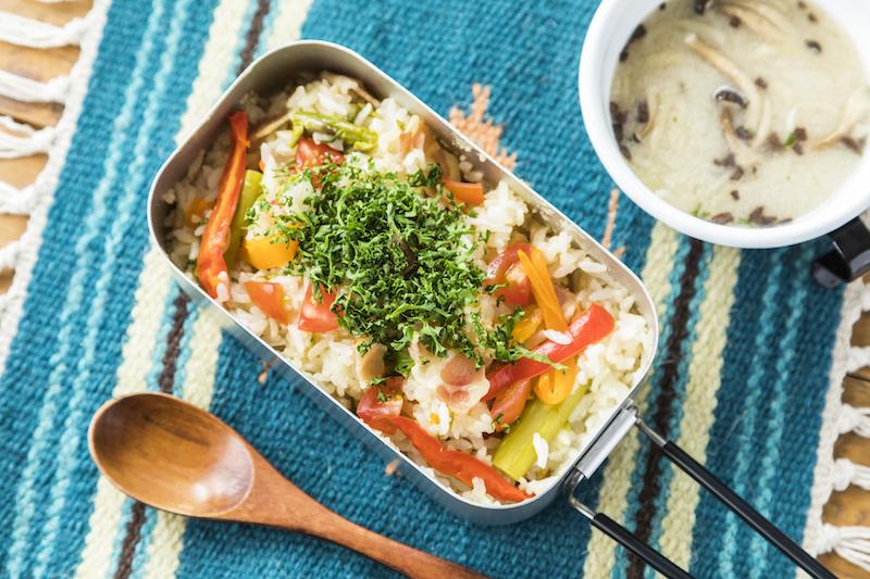 夏野菜のコンソメ炊き込み