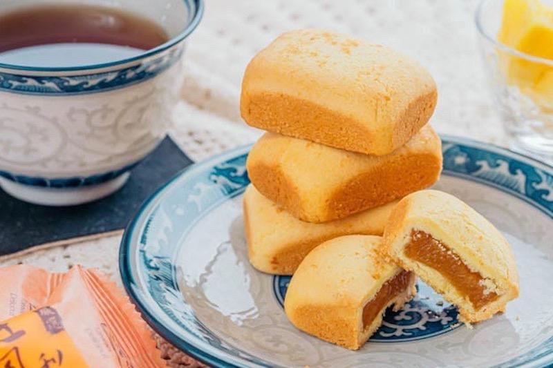 台湾土産の定番、パイナップルケーキ